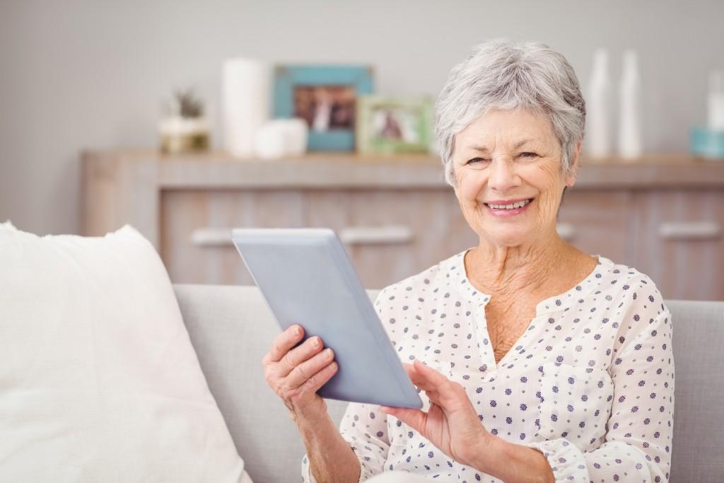 Immer mehr Deutsche finden Ihren Partner heute in einer Online Kontaktbörse - zunehmend auch mit dem Tablet
