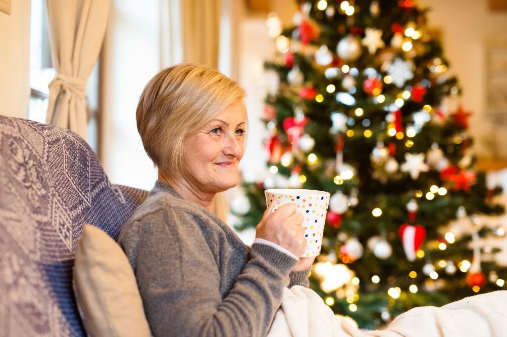 Gerade bei einer Erkältung ist eine erhöhte Flüssigkeitszufuhr in Form von Wasser oder Tee besonders wichtig